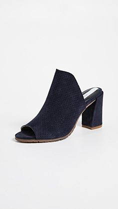 a2b75c2e35bb 398 Best Fabulous Footwear3 images