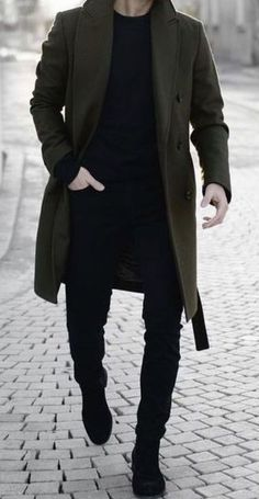 Black top and pants, green coat Men's outfit. Black top and pants, green coat Men's outfit. Black top and pants, green coat Si Sa - Outfit Fashion Winter Outfits Men, Stylish Mens Outfits, Casual Outfits, Men Casual, Outfit Winter, Mode Man, Herren Outfit, Fashion Mode, Man Fashion
