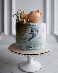 Elena, a pastry chef from Kaliningrad, Russia, has attracted more than fans by presenting her original complex cake design Elena, a Fancy Cakes, Cute Cakes, Pretty Cakes, Gorgeous Cakes, Amazing Cakes, Fondant Cakes, Cupcake Cakes, Donut Cakes, Fondant Fish