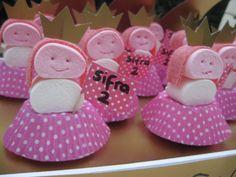 Traktatie 'Prinsessen'- gemaakt van cupcake - spekjes en zure mat