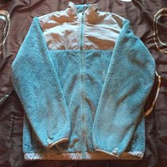 Girl's North Face Jacket Warm and cozy North Face Jacket. Sea foam green color. Girl's size XL (women's size small). Only worn a handful of times. No damage. Still like brand new! North Face Jackets & Coats