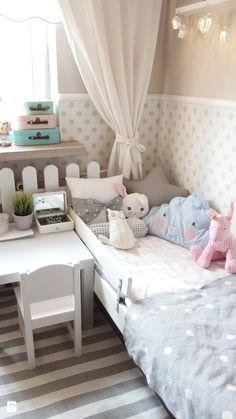 Mieszkanie hand made :) - Średni pokój dziecka dla dziewczynki dla malucha, styl klasyczny - zdjęcie od karolina0606
