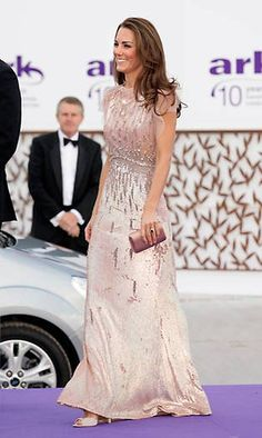 Duchess Kate's best ever evening dresses - Foto 12