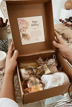 Breakfast Basket, Breakfast Platter, Charcuterie Gift Box, Intimate Wedding Reception, Dinner Box, Picnic Box, Welcome Home Gifts, Cake Business, Birthday Box