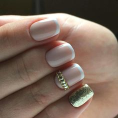 Beautiful French nails French manicure French manicure ideas French nail art French on short nails Gentle french nails March nails Short French nails ideas Nail Art Design Gallery, Best Nail Art Designs, Minimalist Nails, French Nails, Fun Nails, Pretty Nails, Gel Nagel Design, Art Simple, Spring Nail Art