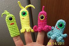 cutest little finger puppets, scrap yarn project :)
