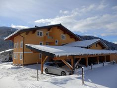 We help you to find the best and budget hotel or holiday apartment in Wagrain. This is an ideal and family friendly ski area. Every year, many tourists and vacationers come to enjoy skiing vacation. Ski Vacation, Holiday Apartments, Skiing, Budget, Cabin, House Styles, Home Decor, Ski, Cabins