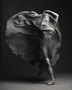 Kate Hosier (The National Ballet of Canada) Photo © Karolina Kuras Black And White Photography, Art Photography, Ballet Photography, Photo, Dance Art, White Photography, Dance Photos, Black And White, Dance Pictures