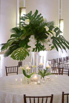 Tropical Wedding Centerpieces, Tropical Flower Arrangements, Orchid Centerpieces, Decoration Buffet, Centerpiece Decorations, Wedding Decorations, Samoan Wedding, Floral Wedding, Wedding Flowers
