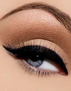 natural eye shadow, thick eyeliner