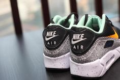 Nike-Air-Max-90-Ultra-Reflective-Safari-04