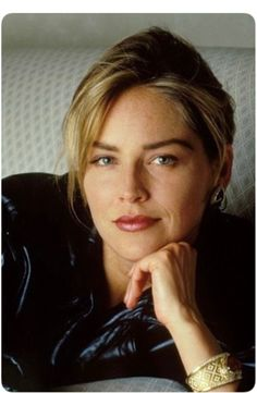 The special edition: Sharon Stone: humus — LiveJournal Sharon Stone Photos, Actrices Hollywood, Famous Girls, Female Actresses, Famous Models, Kate Winslet, Charlize Theron, Classic Beauty, Mannequins
