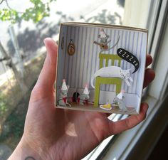 diorama's for K. Matchbox Crafts, Matchbox Art, Diy Paper, Paper Art, Paper Crafts, Cut Paper Illustration, Diy And Crafts, Crafts For Kids, Shadow Box Art