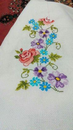 This Pin was discovered by Nur Easy Cross Stitch Patterns, Simple Cross Stitch, Cross Stitch Borders, Cross Stitch Rose, Cross Stitch Flowers, Cross Stitch Charts, Cross Stitch Designs, Ribbon Embroidery, Cross Stitch Embroidery