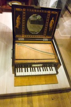File:Antique miniature piano MIM Berlin.jpg -- from the Musikinstrumentenmuseum (Berlin).