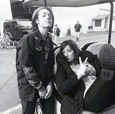Ethan and Isadora on set