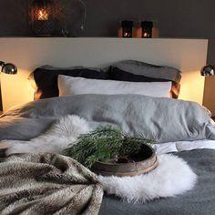 Jouluinen makuuhuone #blogissalisää #pellavalakanat#tunnelma #inspiration #instablogit #makuuhuone  @instablogitfinland Bed Pillows, Pillow Cases, Bedroom, Inspiration, Home, Pillows, Biblical Inspiration, Ad Home, Bedrooms