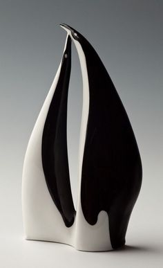 Polski New Look - Ćmielów. Stunning black and white form. #penguin #ceramic #sculpture