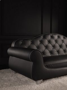 Tips That Help You Get The Best Leather Sofa Deal. Leather sofas and leather couch sets are available in a diversity of colors and styles. A leather couch is the ideal way to improve a space's design and th Sofa Furniture, Sofa Chair, Luxury Furniture, Furniture Design, Modern Sofa Designs, Sofa Set Designs, Best Leather Sofa, Living Room Sofa Design, Chairs