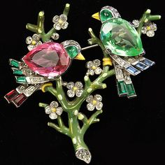 Trifari 'Alfred Philippe' Peridot Pink Topaz and Enamel Two Birds on Branches Pin, 1942 Patent 13136544
