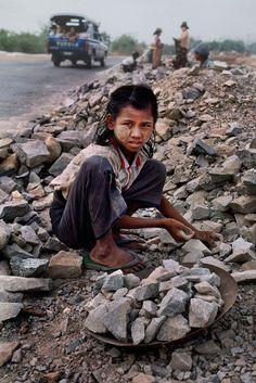 Burma - Child Labor | Steve McCurry