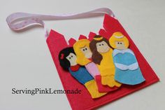 Serving Pink Lemonade: Princess Finger Puppets.  Would make a fun homemade Christmas gift.