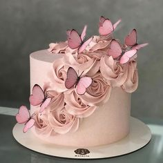 79 Amazing cake inspiration for special celebration - birthday cake ideas, celebration cakes Birthday Cake With Photo, Beautiful Birthday Cakes, Birthday Cake Girls, Beautiful Cakes, Amazing Cakes, 15 Birthday Cakes, Birthday Cake Designs, Designer Birthday Cakes, Happy Birthday Cakes For Women