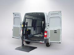 A MKS 400PTE TRABALHA PERFEITAMENTE TANTO PARA AS CARGAS COMO PARA ACESSIBILIDADE.  Desenvolvida e fabricada para os transportadores que utilizam veículos do modelo furgão ou baú e precisam de um equipamento instalado na parte interna do veículo com capacidade de carga para 400kg.