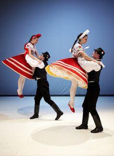 Zempléni Fesztivál - Hungarian Rhapsody Folk Costume, Costumes, Hungarian Dance, Folk Dance, Just Dance, Budapest, Celtic, Photo And Video, Folk Clothing