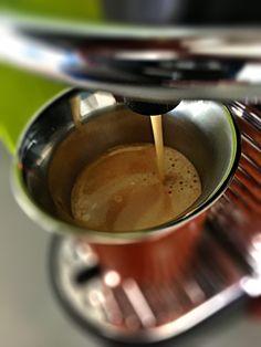 Guten Morgen…der #Scuro ein #LimitedEditionBarista #Kaffee von @Nespresso startet den Sonntag #whatelse #ShotoniPhone #iPhoneSE #camera+ #tadaa