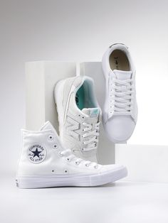 #white #whiteshoes #sneaker #fashion #shoes #officeshoes #converse #vans #lacoste