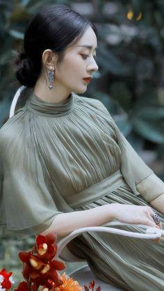 Zhao Li Ying, White Cherry Blossom, Ailee, Blackpink Fashion, Chinese Actress, Celebs, Celebrities, Photo Tutorial, Korean Girl