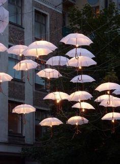 Danse de parapluies