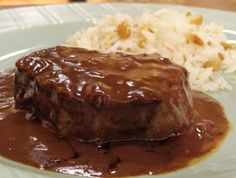Hovězí maso ve vinné omáčce Meatloaf, Stew, Mashed Potatoes, Ethnic Recipes, Junk Food, Japanese Food, Fine Dining, Whipped Potatoes, Smash Potatoes