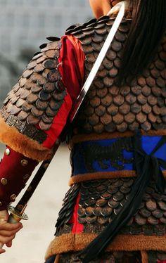 blade position (like!); also, single hand hold Samurai