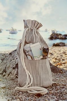 June 29 - In My Bag - Borsa pronta per la spiaggia