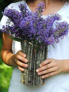 Easy DIY Flower Arrangements & Bouquets