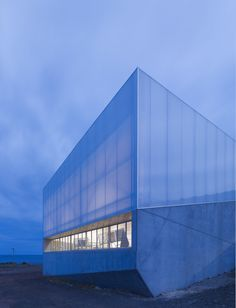 Completed in 2009 in Burnie, Australia. Images by Brett Boardman. Makers' Workshop represents a major investment in a post-industrial future by the town of Burnie, on Tasmania's north-west coast. Tasmania, Industrial Architecture, Architecture Design, Space Place, Ares, Australia Travel, Urban Design, Continents, Outdoor Spaces