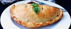 pizza-calzone-cu-suna-si-mozzarella-retete-clasice Calzone, Pepperoni, Mozzarella, Pizza, Desserts, Food, Ham, Tailgate Desserts, Deserts