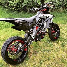 Any SuperMoto fans? #sportbikelife #braptube