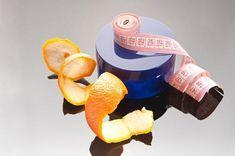 Trucos para quitar la celulitis. La celulitis o piel de naranja es una afección muy temida por las mujeres que aparece en ciertas zonas del cuerpo cuando se produce un cúmulo de tejido graso, toxinas y agua. Además, la piel va perdie...