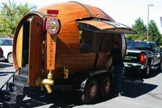 50+ Truck Businesses That Don't Sell Food - Mobile beer http://www.business-opportunities.biz/2014/11/19/50-non-food-truck-businesses/