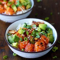 Schritt-für-Schritt Rezept für Ahi Poke Bowls aus Hawaii. Rezepte für 2 verschiedene Fisch-Marinaden (Soja und Spicy Mayo).