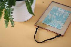 Cadre en verre et cuivre Madam Stoltz & illustration sur carte Season Paper
