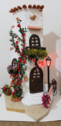 La mia prima tegola Clay Fairy House, Fairy Houses, Clay Fairies, Flower Fairies, Rock Crafts, Diy And Crafts, Doll House Crafts, Diy Y Manualidades, Painted Rocks Craft