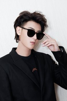 Tao Exo, Baekhyun, Huang Zi Tao, Things To Do With Boys, Kris Wu, Martial Artist, Chinese Actress, Cute Guys, Rapper