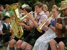Musikalische Unterstützung der Jugend beim Fairtrade Fest in Laufen und Oberndorf