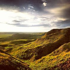 Hit the road and trek through the hills of Grasslands National Park to see a different side of #Saskatchewan.