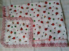 Material: 02 Fralda 100% algodão, bordado inglês, passa fita  Técnica: costura    Obs. Esta manta foi confeccionada com duas fraldas. R$ 34,40
