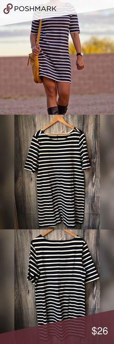 "GAP nautical dress Pre-loved, no major flaws. Length from shoulder to bottom of dress-36 1/2"". Bust- 20"" Waist- 21"" GAP Dresses Midi"